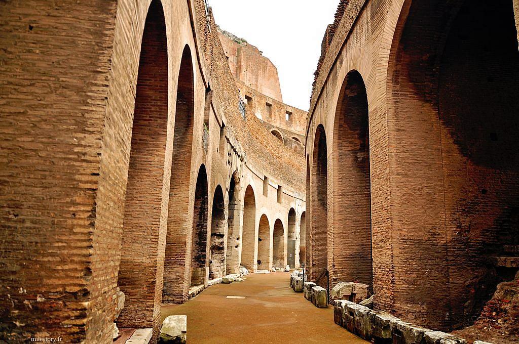 intérieur du Colisée de Rome