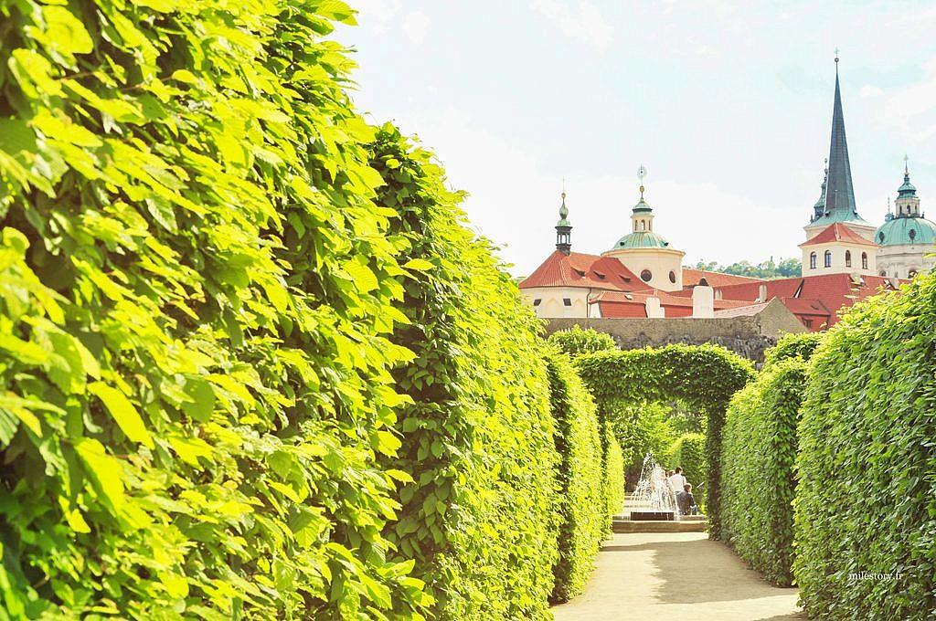 jardin-prague-milestory
