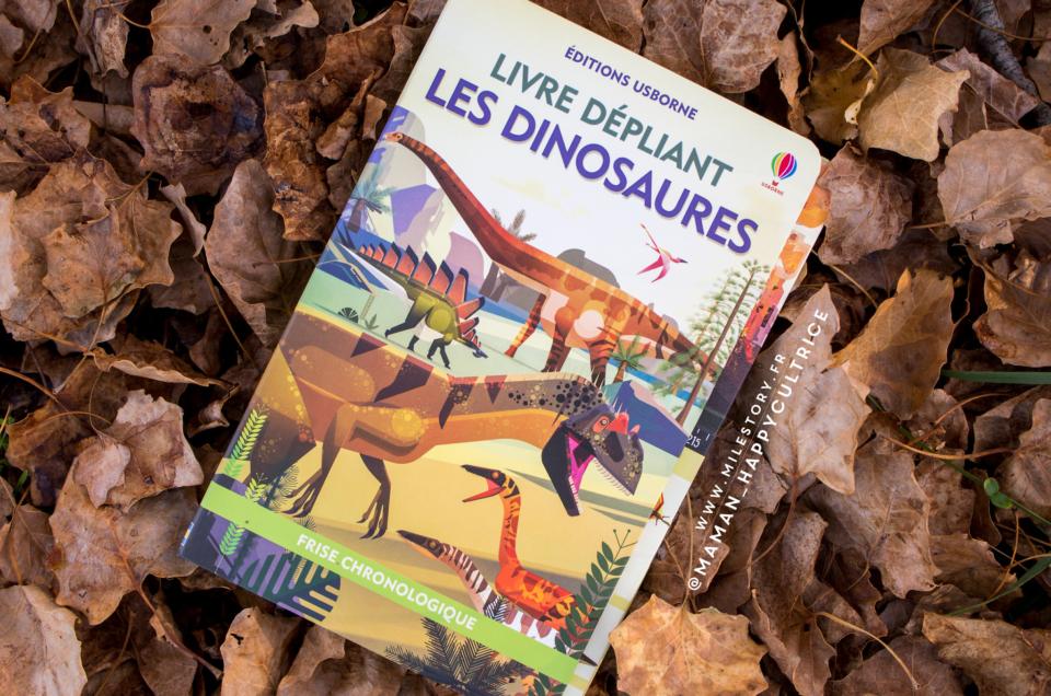 Les dinosaures en livre dépliant